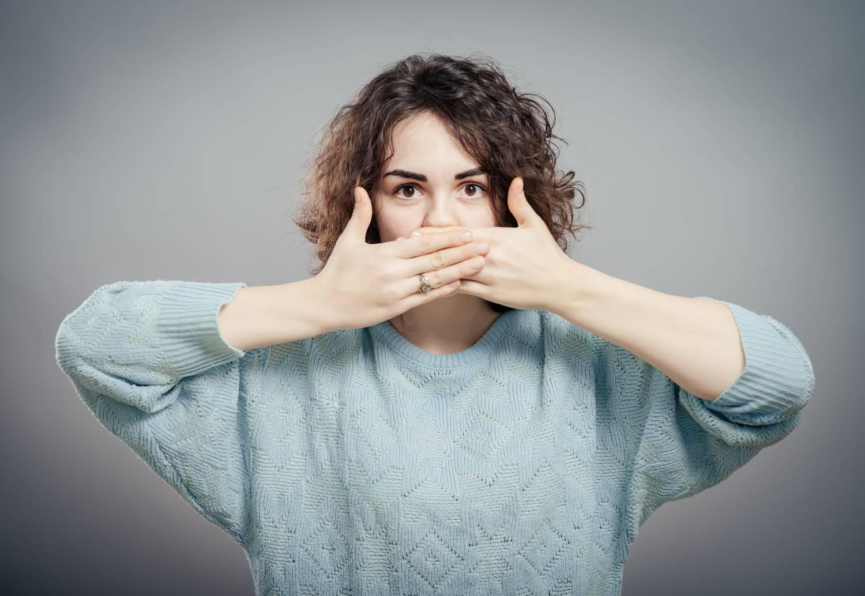 milyen betegségek rejtik a szájszagot