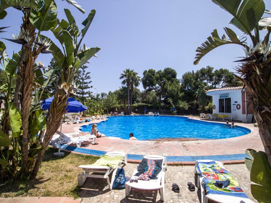 kereskedelmi bevásárlóközpont giardini naxos