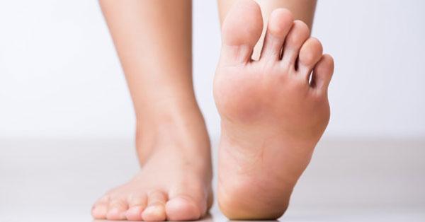 miért nedvesedik a lábujjak között