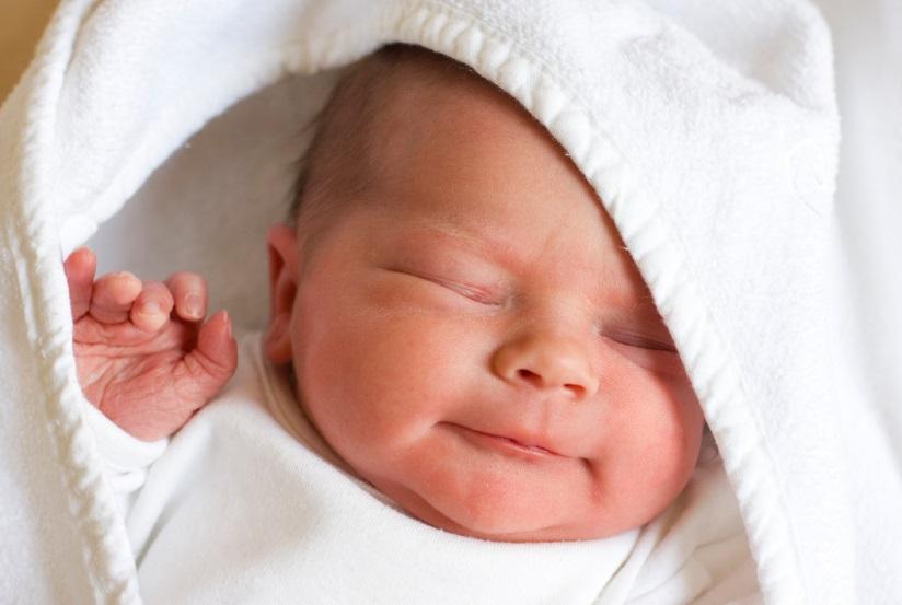 újszülött vérszegénység)